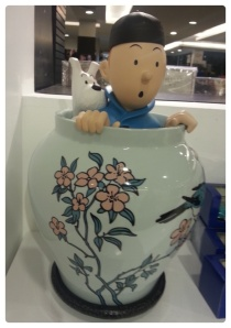 Tintin & snowy inside the jar.jpg